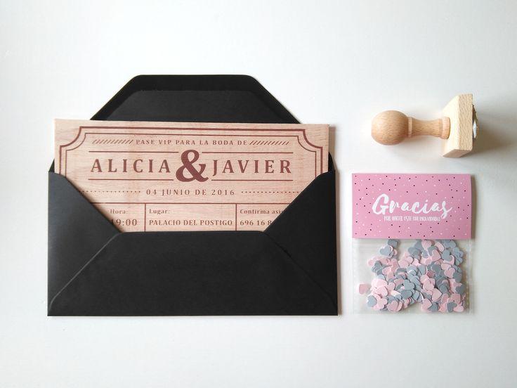 Invitación Ticket/entrada junto con el sello de regalo y el detalle de confeti ♥