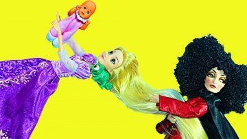 Кулы Дисней Мультик Рапунцель Похищение младенца Игры с куклами на русском http://video-kid.com/9802-kuly-disnei-multik-rapuncel-pohischenie-mladenca-igry-s-kuklami-na-russkom.html  Мультфильм с куклами Принцессы Диснея. Матушка Готель приносит похищенного младенца в свою башню. Она обманывает Рапунцель, рассказывая ей что младенца подбросили под дверь башни. Принцесса Рапунцель даёт обещание малышке найти её маму.Подпишись на канал чтобы не пропустить продолжение этого мультфильма: