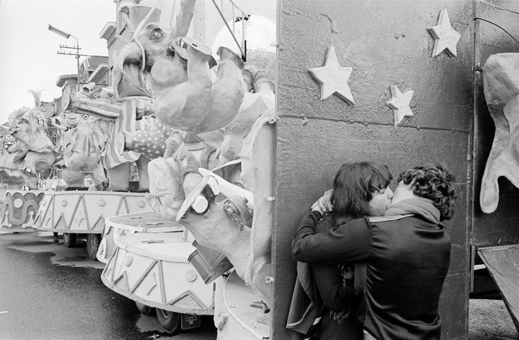 John Vink  BELGIUM. Fleurus. 11/04/1982: Kissing youth during annual festival.