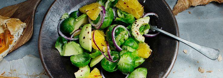 Hemkop.se | Sallad med brysselkål, avokado och apelsin