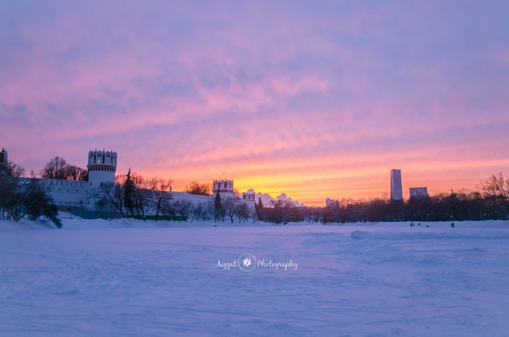 https://flic.kr/p/DnmceB | Novodevichy Convent during sunset