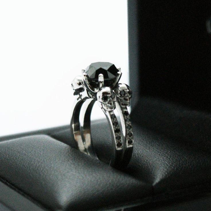17 Best ideas about Skull Wedding Ring on Pinterest Skull rings