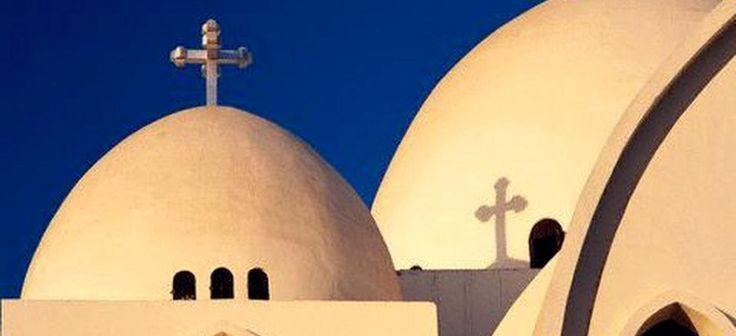 Церкви Египта отметят Пасху «без всяких праздничных проявлений». Вэтом году из-занапряженной ситуации встране коптские католические и евангельские церкви наюге Египта не будут праздновать Пасху, пишет Ahram Online. http://bog.news/2017/04/egipt_easter/