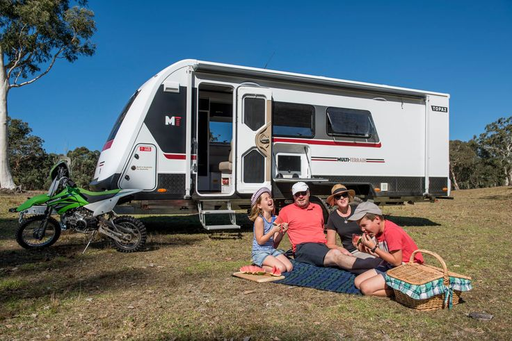 Pull up and set camp in your Avida Topaz caravan and have a well deserved bit to eat after a long day of exploring the outdoors.