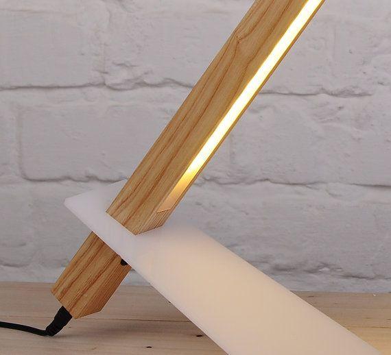 LED lámpara de escritorio de madera lámpara LED por NixieDream