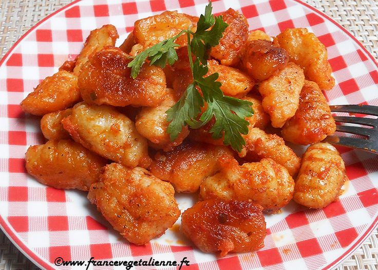 Gnocchis à la sauce tomate (recette végane)