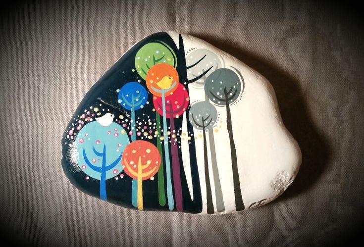 Decorato a mano con colori acrilici Pèbèo.
