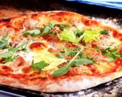 Pizza au thon (facile, rapide) - Une recette CuisineAZ