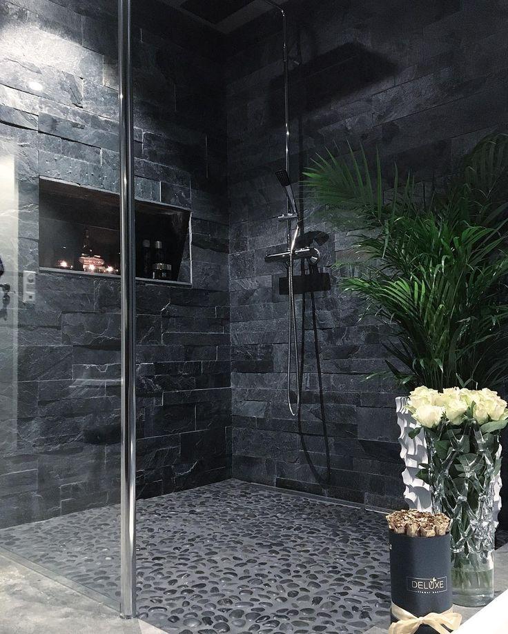 """975 Gostos, 61 Comentários - Olivia Angeline (@olivia_angeline_f) no Instagram: """"Avslutter denne dagen med en avslappende og deilig dusj 🎤💦🍀(Sorry arkiv bilde- litt mange ting som…"""""""