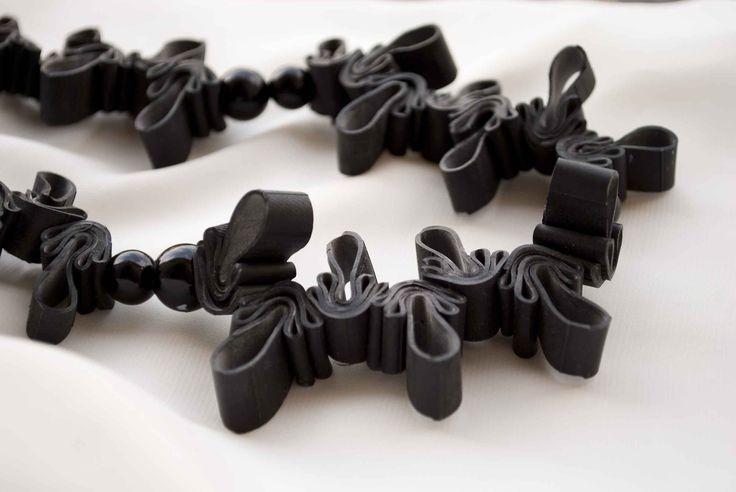 Inner tube necklace part./ Nancy