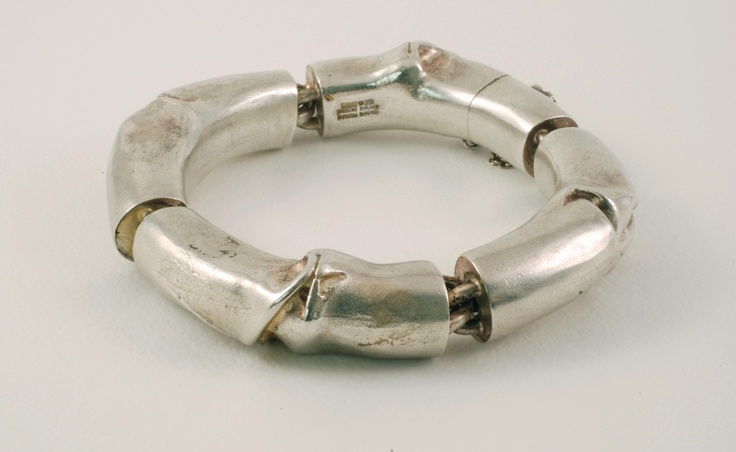 I love Finnish jewelry, especially vintage Lapponia. Makes me want to go back to Helsinki!!