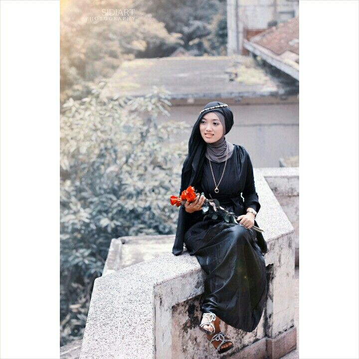 #Hijab #HijabFashion #HijabStyle #Photography #Magazine #Woman