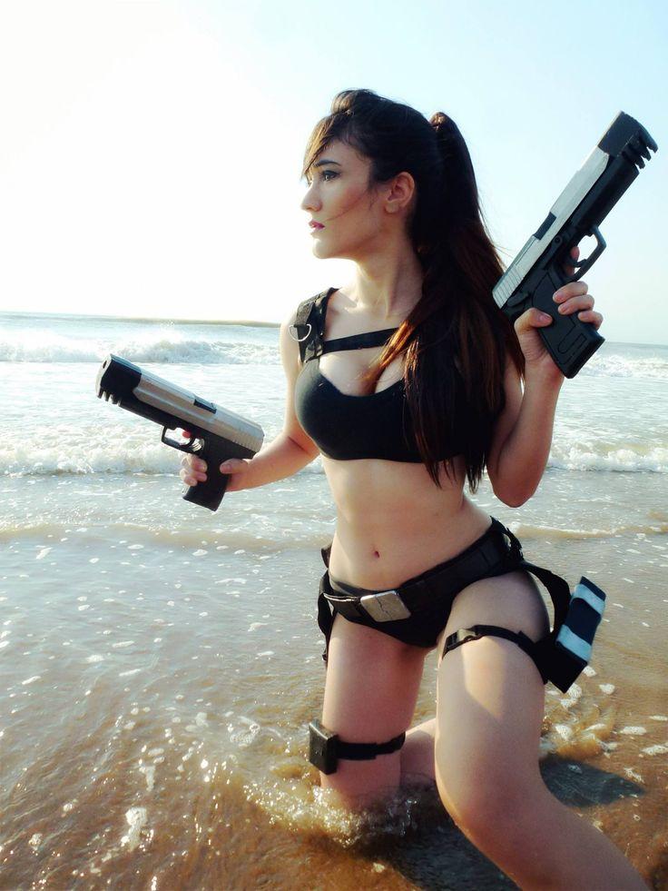 Lara Croft - Tomb Raider Cosplay by Sophie Valentine http://ift.tt/2jrZ5di