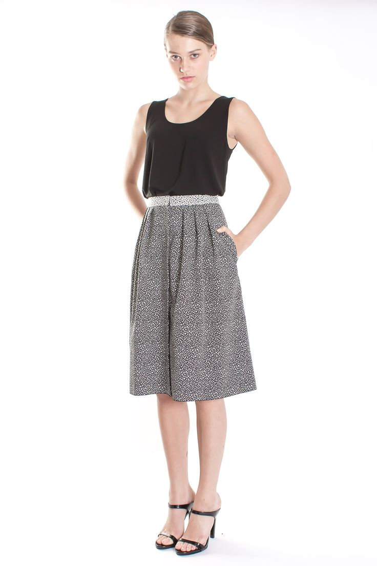 MARCHA HÜSKES Lookbook SS15 - Martine Dotted Jacquard White Grey Button Skirt