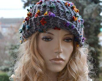 Gris de punto, cable estilo beanie sombrero, gorrita tejida gris, flores de arco iris, mujeres chunky, accesorios invierno, gruesas y extra calientes, sombrero del invierno