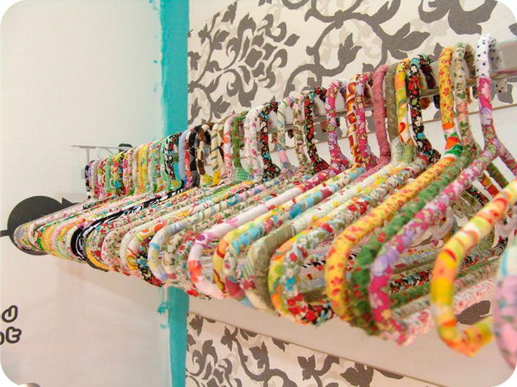 Criando cabides personalizados com tecido - Blog Aix Casa