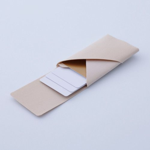 Card Case is a minimalist design created by Japan-based designer Katamaku. The card case is designed using the same material found on the roof of the Tokyo Dome. (1)