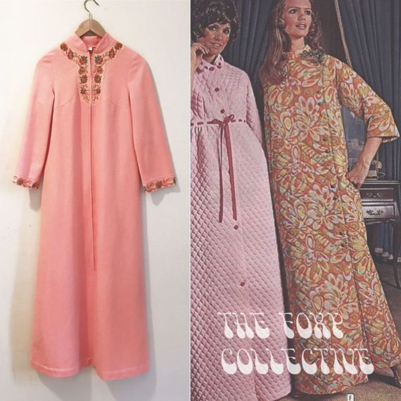 Vintage 60s 70s Gossard Artemis Peach Pink Zip up Housecoat Robe Dressing Gown with Floral Details