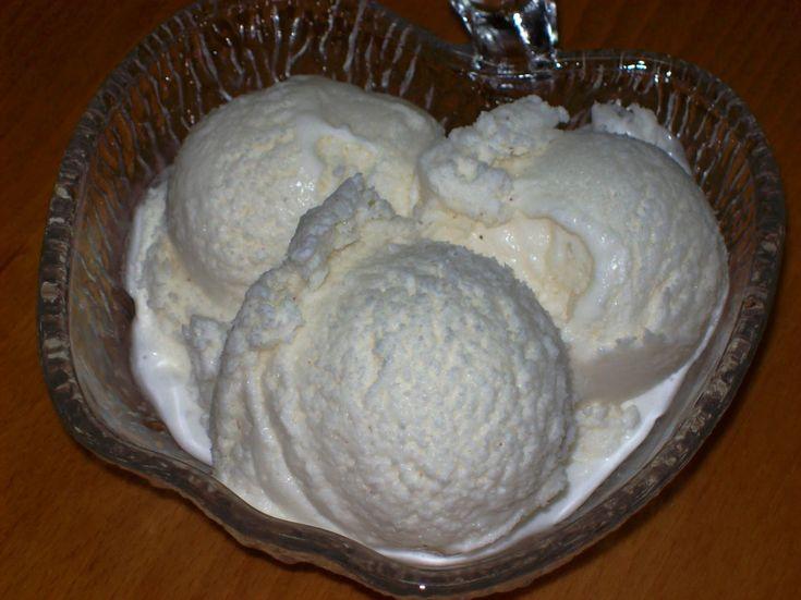 """Η συνταγή αυτή είναι από το σειρά """"Καν' το μόνος σου 2"""", το τεύχος """"Σπιτικό Παγωτό"""" και σελίδα 20. Ο λόγος που αποφάσισα να κάνω παγωτό καϊ..."""