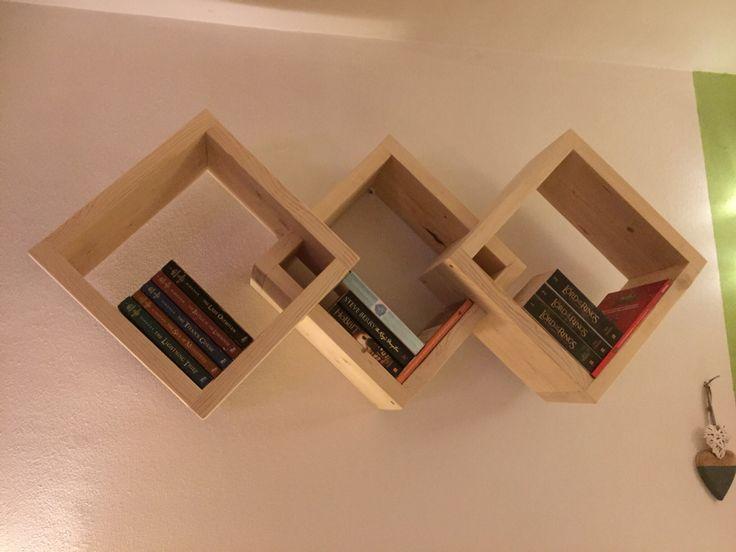 Vakkenkast Boek gemaakt van nieuw gedroogd steigerhout
