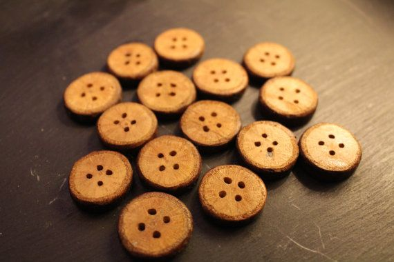 unique oak slice buttons / handmade wooden buttons / pack of