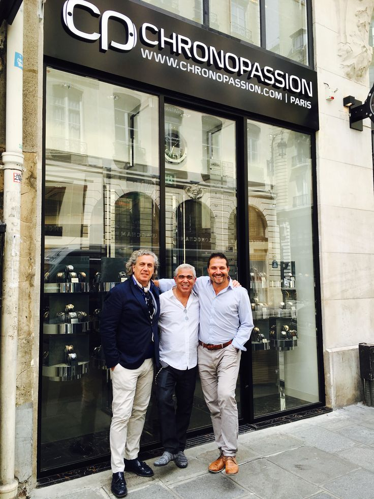 Family Spirit❤️ new @chronopassion boutique with @laurentpicciotto and Xavier Casals #Paris #dietlindisplaycase >>>more>>>Family Spirit❤️ new @chronopassion boutique @laurentpicciotto and Xavier Casals #Paris #dietlindisplaycase >>>more>>>https://dietlin.ch/page.php?id=3205&gr=362&nv=4