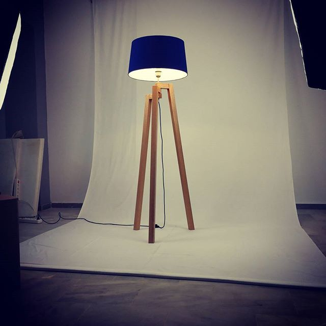 Wooden Tripods Collection. #trelight #woodenlamps #woodenlighting #tripods #woodentripods #ledlamp #led #design #elegance #interiorlighting #interiordesign #interior #photoshoot #softbox #blue #green #brown #oak #fabric #cables #creativecables