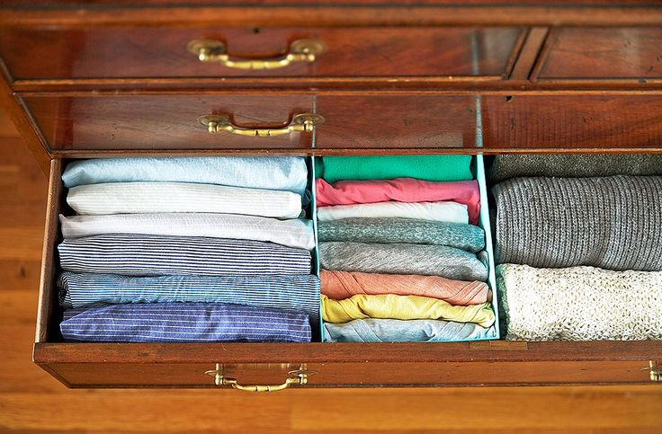 8 Decluttering Lessons Learned from the Marie Kondo book.  The vertical fold.