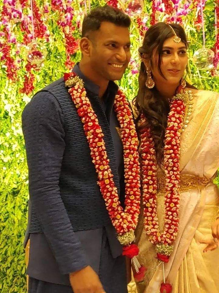 Tamil Actor Vishal And Anisha Reddy Engagement Photos In 2020 Engagement Photos Marvel Wedding Celebrity Weddings