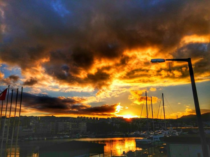 On instagram by fotodelisi16 #landscape #contratahotel (o) http://ift.tt/1OwyLDV doguyor gecelerime. #bursa #güzelyalı #mudanya #sahil #marina #beach #günbatımı #sky  #manzara #great #view#photographs #photographer #photograph #canon_photos #canon #hdr #hdr_captures #hdr_lovers #hdr_pics #ig_europe #ig_kids #objektifimden #vscocam #vsco