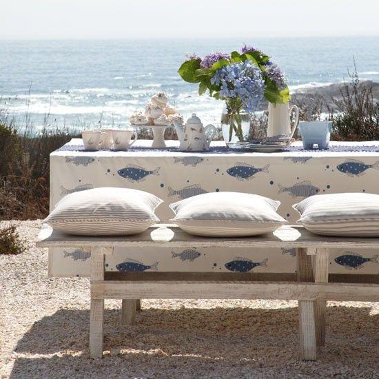 Coastal-inspired outdoor dining