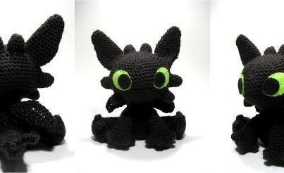 Fantasy Friday at crochet cricket. Free pattern for Toothless the dragon and Crochet Cork Knights! Cute!!