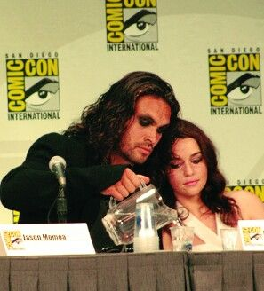 Jason Momoa & Emilia Clarke Khal & Khalessi back together--the sun must have set in the east!!