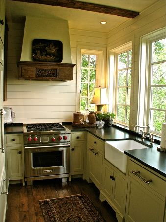 English cottage kitchens english cottages and cottage for Small kitchen ideas pinterest