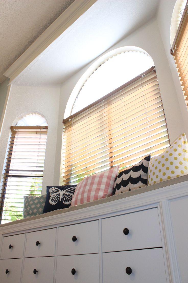 die besten 25 kallax window seat ideen auf pinterest spielzimmer bank kinder ablagebank und. Black Bedroom Furniture Sets. Home Design Ideas