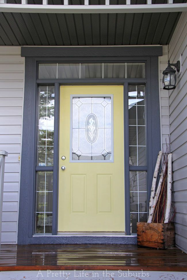Simple & Sunny Door Makeover // Inspiration for adding colour in unexpected places in your home.  Plus some door painting tips!