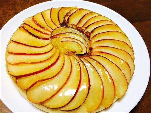 ねとめし:表面パリパリのアップルケーキがフライパンだけで超簡単に! Twitterで話題のデザートを作ってみた - ねとらぼ