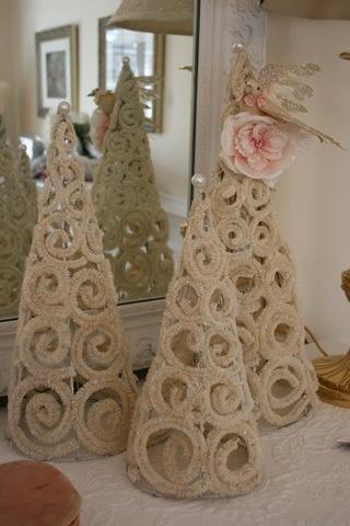 Pipe cleaner trees - form on styrofoam, glue, then remove the styrofoam - Lovely