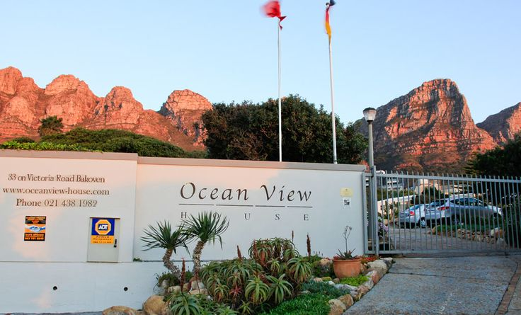 You have reached the beginning of an unforgettable stay in Cape Town! #entrance #welcome #beourguest #stay #accomodation #campsbay #bakeoven #view #mountain #twelveapostles #atlanticocean