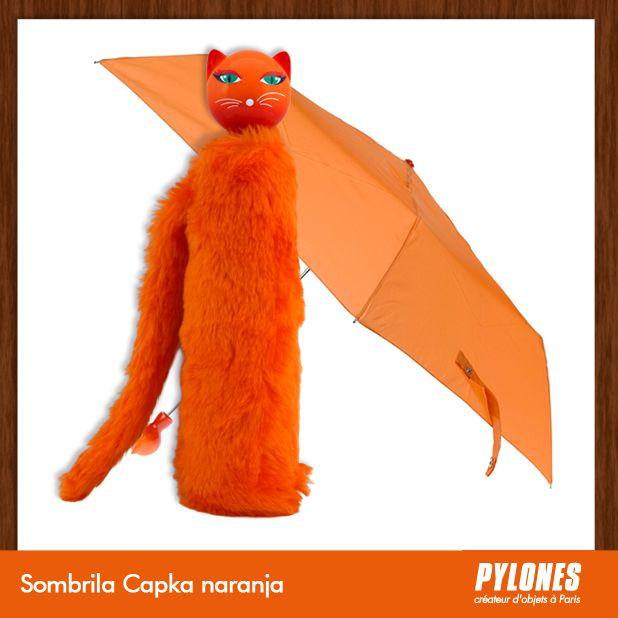 #Sombrilla Chapka naranja @pylonesco Pylones Colombia #navidad #regalos #pylones #noviembre — en Colombia.