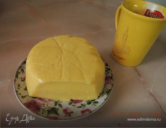 Рецепт моей мамы,у меня теперь своя семья и мы жывем отдельно,но мамин сыр очень люблю,особенно с кофейком...И еще готовлю его ребенку,так как в магазинном много консервантов...На первый взгляд каж...