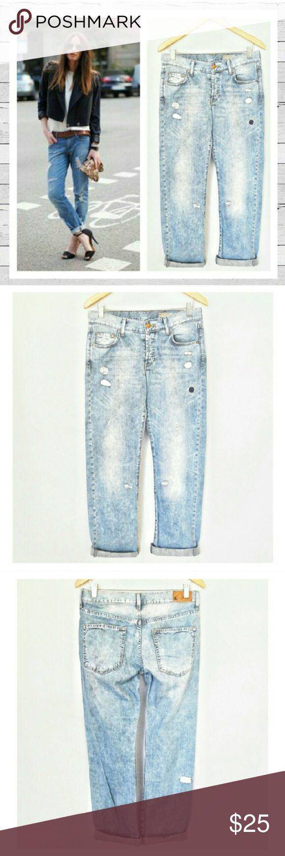Boyfriend Jeans 🎉 Casual and cute boyfriend jeans! Light wash, size 27. Very comfortable and in great condition. Bundle and save! 🎉😘 Brand is Ampersand, NOT J brand, tagged for views! J Brand Jeans Boyfriend