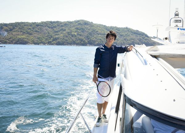 Kei Nishikori Photos Photos - Tennis Pro Kei Nishikori Enjoying Some Down Time In Acapulco, Mexico on March 1, 2015 in Acapulco, Mexico. - Kei Nishikori Vacations in Acapulco