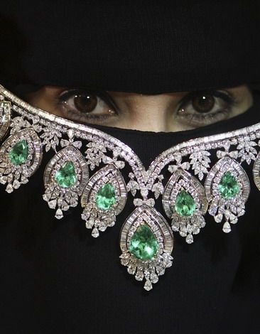 There is beauty in different cultures. Although I do not understand the niqab and the religion of Muslims, I find this custom to be beautiful, mystic and intriguing. If these eyes could tell you a story, what would they say? What things have these eyes seen? This random photo I've found sparked an interest for me.  God how I'd like to cover myself in black and only let my eyes peep out.  Especially days after eating a pot of cookie dough.  Seriously though, it is quite beautiful some of the…