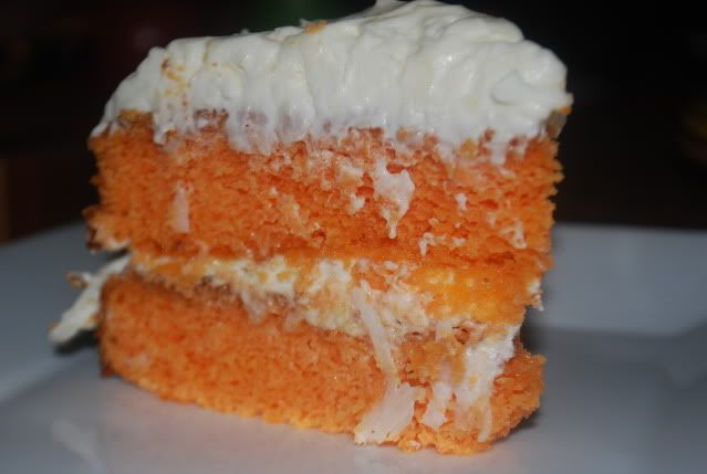 Orange dreamsicle cake. OH MY WORD! I WANT TO EAT THIS RIGHT NOW!