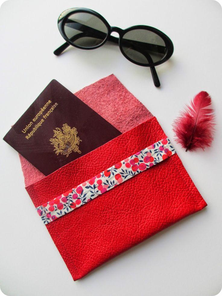 DIY / Tuto : Pochette passeport en 3 coutures par www.tadaam.fr / Passport pouch…