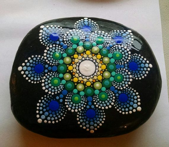 Large Hand Painted Stone Dot Art Painted Rock di P4MirandaPitrone