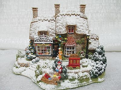 Lilliput-Lane-The-Christmas-Present-2002-Special-Christmas-Edition-Enesco-L2486