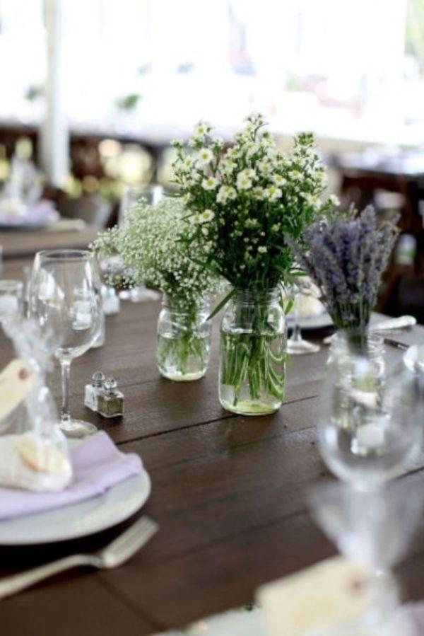 Holztisch Schon Dekorieren Blumen In Vasen Glaser Helle Farben