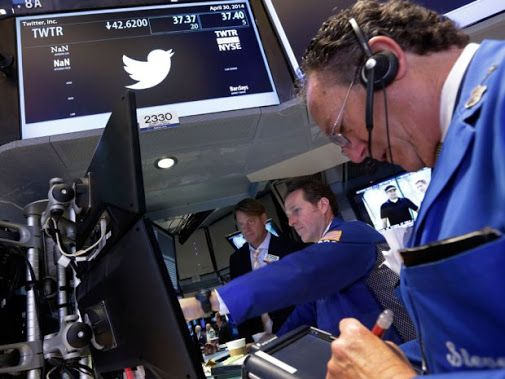 #Twitter Inc shares climb as it boosts #Google Inc presence with search deal